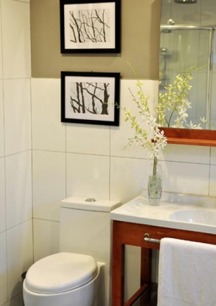 Four Bedroom  Penthouse Comfort Room
